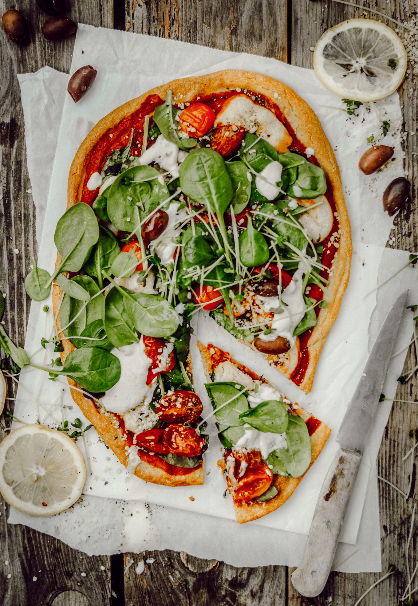 der ultimative knusprige pizzaboden aus quinoa rezept f r spinat pizza mit cashew cream. Black Bedroom Furniture Sets. Home Design Ideas