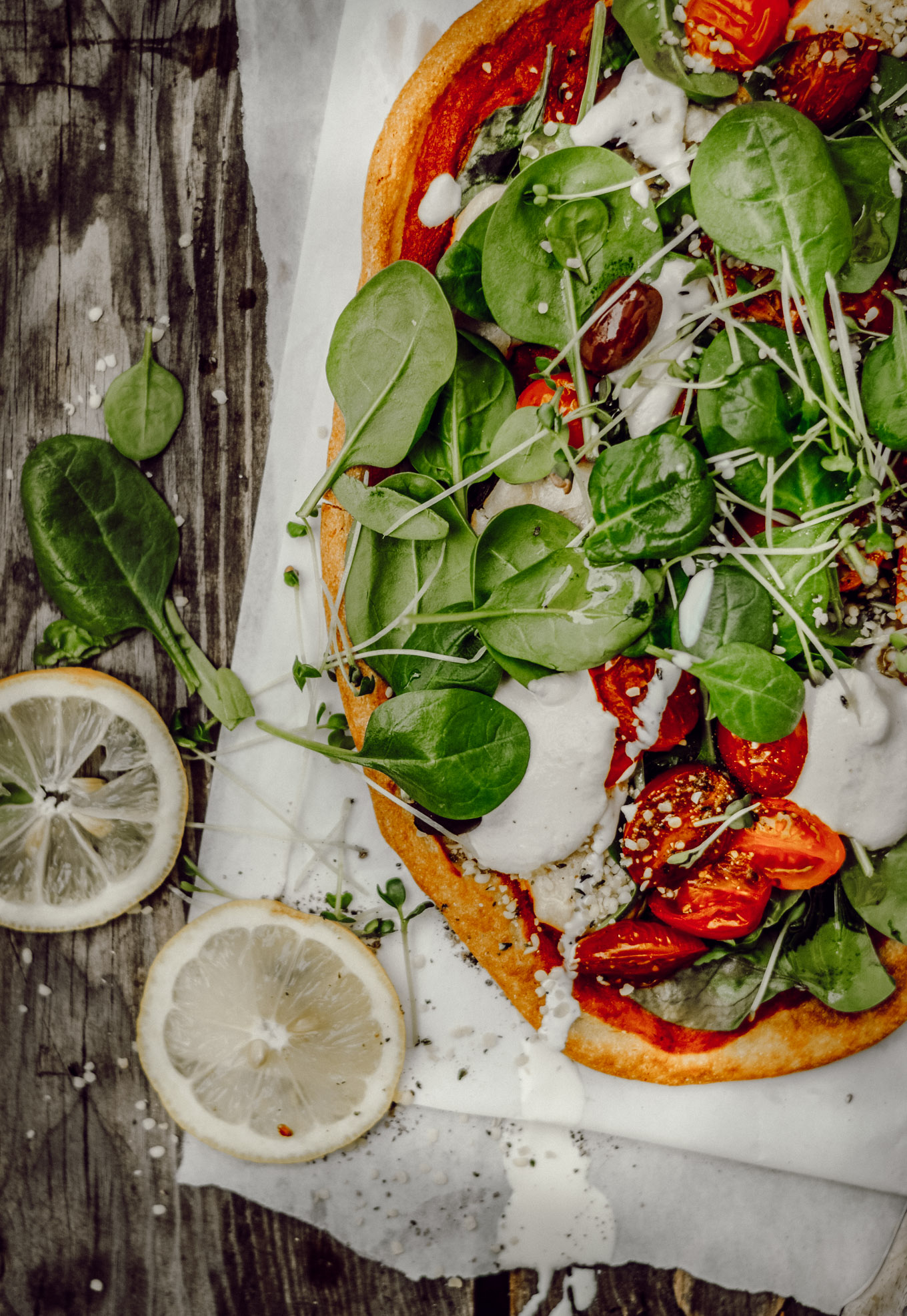 der ultimative knusprige pizzaboden aus quinoa rezept f r spinat pizza mit cashew cream. Black Bedroom Furniture Sets. Home Design Ideas